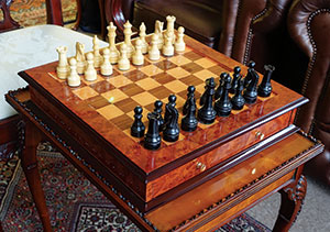 Fine rosewood, mapal and makah burl chess set