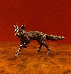 Bronze fox sculpture: a miniature masterpiece
