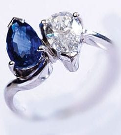 Magnificent Royal blue sapphire and diamond pear cut platinum ring