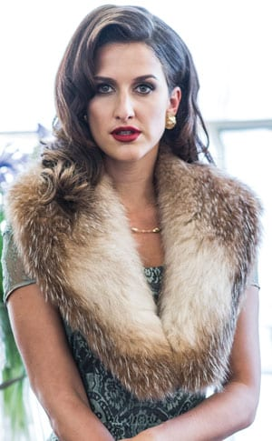 The New Fur Collection: Elegant natural crystal fox fur collar