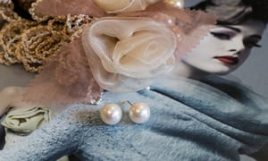 Beautiful large 10-11mm pearl and 14ct yellow gold stud earrings from the Hawaiian Isles