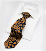 Smart pure silk paisley tie in navy and red