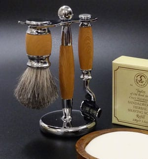 New Mach III razor and badger brush shaving set in light wood