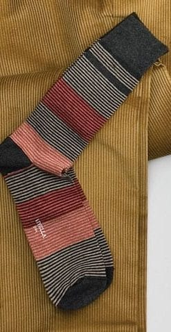 Fine gentlemen's cotton socks by Viyella