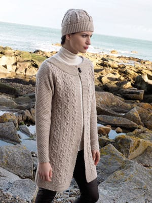 Compelling new cardigan jacket: combiness haute couture and comfort