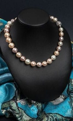 Magnificent new Aida Necklace of natural orchid pearls with a diamond and white gold clasp