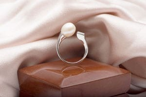 Ultra-stylish pearl and silver contemporary Atlas Ring by Aleyne