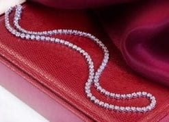 Stunning new 5 carat diamond and 18ct white gold necklace from the precious diamond collection