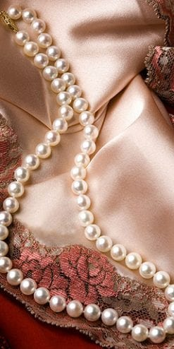 Stunning Hawaiian Island single strand pearl necklace with 14ct gold clasp