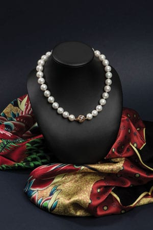 Luxurious new large single strand pearl, diamond and gold necklace: 'Mikado', from the Opera Collection