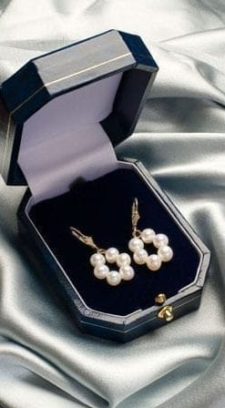 Fabulous new Pearl and 14ct Gold earrings from the Hawaiian Isles