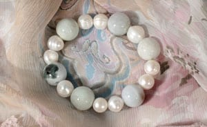 Elegant new pearl and jade bracelet, £39