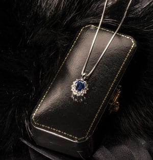 Gorgeous new blue sapphire, diamond and 18ct white gold pendant from Hatton Garden
