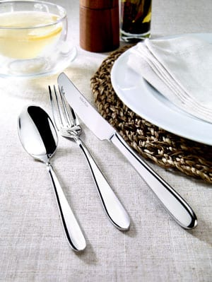 Superb 76-piece stainless steel Willow design cutlery set by Arthur Price of England: only £139